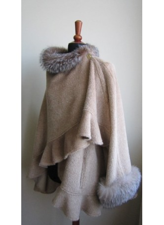 Alpaca Wool w / Fox Fur Wrap Cape Shawl Poncho Oatmeal Women's